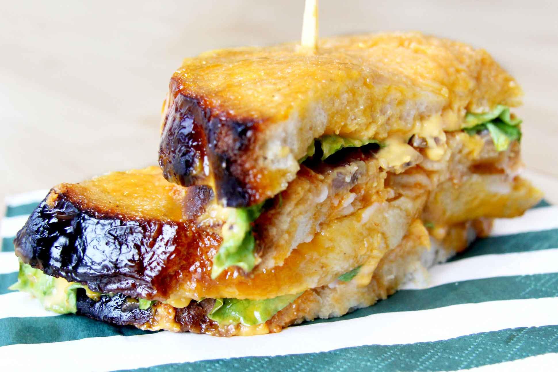 Torres, los famosos sandwiches con salsa secreta del Bar Eme de Bilbao